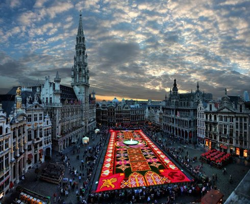 brussels-flower-carpet-aerial-2010